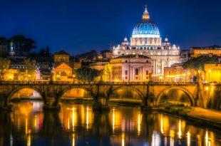 Экскурсия ночью в музеи Ватикана