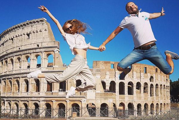 фото на фоне Колизея