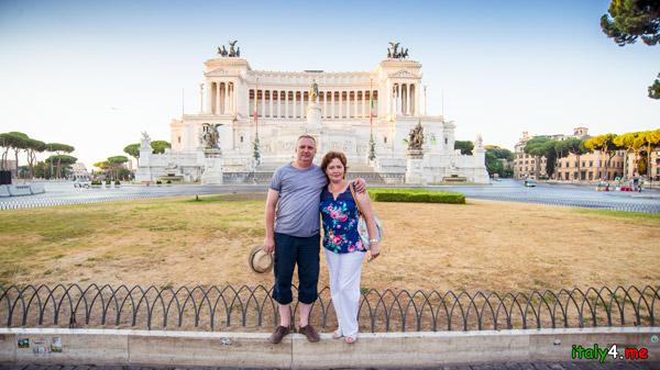 Рим на рассвете на площади Венеция