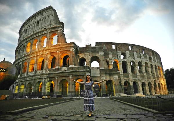 Отзыв об экскурсии по Риму на рассвете, фото у Колизея