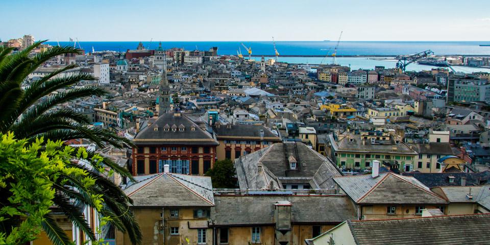 Смотровая площадка в Генуе с панорамным видом на город