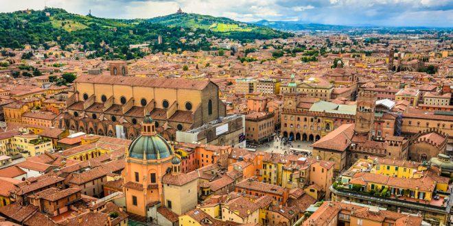 Экскурсия в Болонье